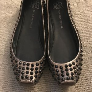 Rock and Republic spike flats